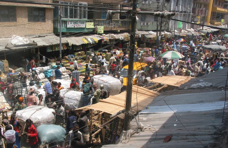 2005_market_lagos_nigeria_12129005
